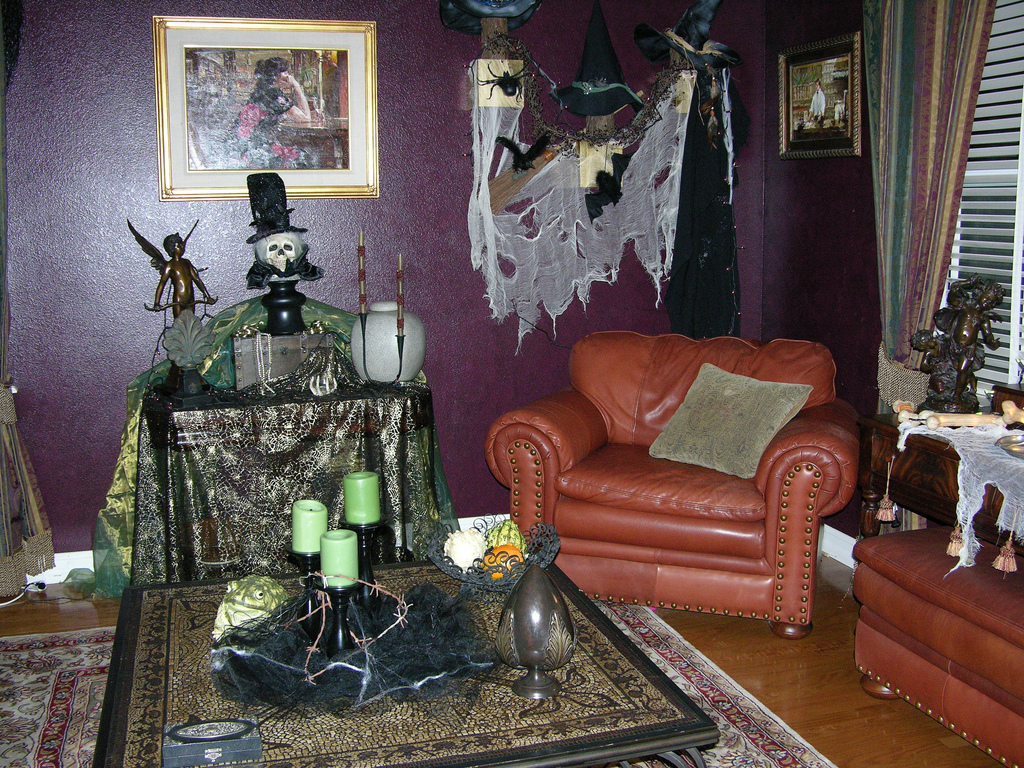 Turning Your Home Into A Haunted House For Halloween