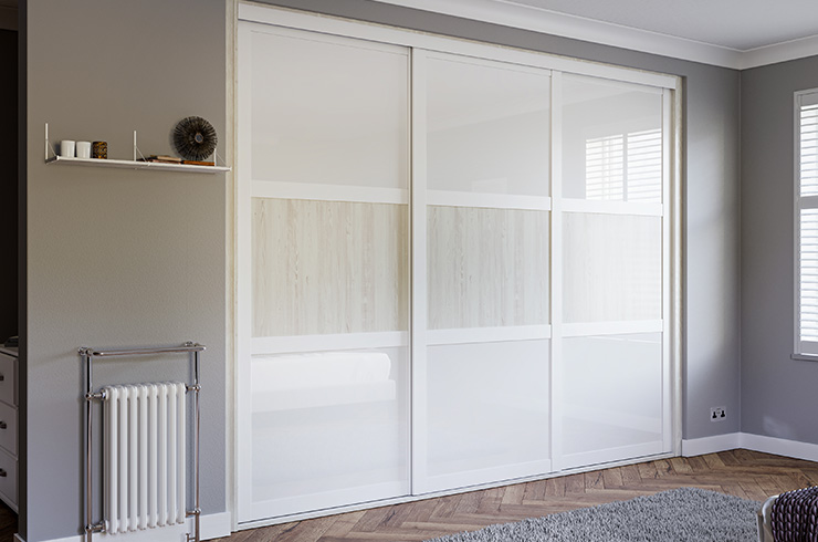 Shaker White Frame with Pure White Glass and White Coastland